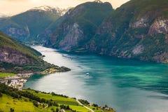 Vue des fjords au point de vue de Stegastein en Norvège Photographie stock