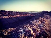 Vue des formations de roche dans la vallée lunaire en San Pedro de Atacama, Chili Photographie stock libre de droits