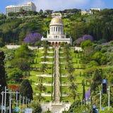 Vue des jardins de Bahai et du tombeau du Bab sur le mont Carmel Photo stock