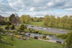 Vue des jardins de roche vers Preston Park un jour ensoleillé photos libres de droits