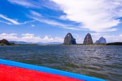 Vue des karsts de chaux de bateau Photo stock
