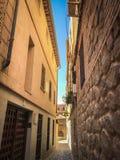 Vue des labyrinthes d'une vieille et chaude ville images stock
