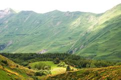 Vue des montagnes caucasiennes dans Gudauri, la Géorgie Image libre de droits