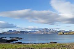 Vue des montagnes de Cuillin sur Skye Image libre de droits