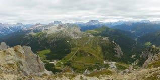 Vue des montagnes de dolomites Photo stock