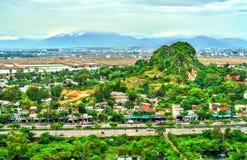 Vue des montagnes de marbre au Da Nang, Vietnam photo stock