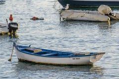 Vue des navires dans la marina smal dans Corralejo Image libre de droits