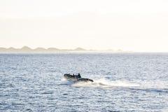 Vue des navires dans la marina smal dans Corralejo Image stock