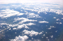 Vue des nuages et de l'Eart Image stock