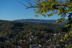 Vue des palais Wernigerode à la ville image stock
