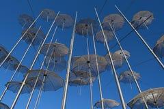 Vue des parapluies en métal à Salonique Photo stock