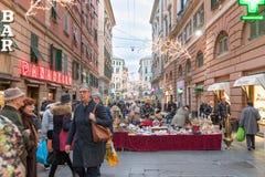 Vue des rues caractéristiques du centre de Gênes Photos libres de droits
