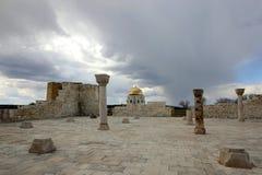 Vue des ruines de la mosqu?e de cath?drale images libres de droits