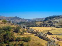 Vue des ruines de Sacsayhuaman et de la ville de Cusco, Cusco, Pérou Image stock