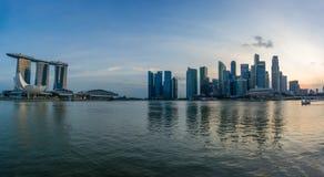 Vue des sables de Marina Bay au lever de soleil à Singapour Photo libre de droits