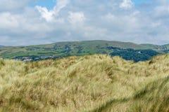 Vue des sanddunes à la plage de Ynyslas Photographie stock