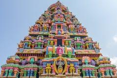 Vue des sculptures sur la tour au temple de sarangapani, Tamilnadu, Inde - 17 décembre 2016 Photographie stock libre de droits