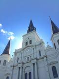 Vue dramatique d'église Image stock