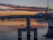 Vue dramatique du lever de soleil sur le Lac Léman Photos libres de droits
