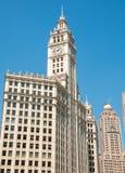 Vue du bâtiment de Wrigley et dans le centre ville de Chicago, l'Illinois, Etats-Unis images stock