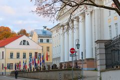 Vue du bâtiment principal de l'université de Tartu Images stock