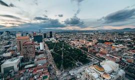 Vue du central vert d'Alameda de parc au centre de la ville de Mexico, Image libre de droits