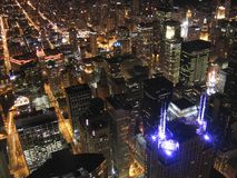 Vue du centre de Chicago la nuit Photo libre de droits