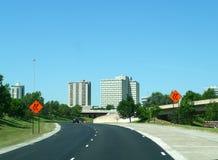 Vue du centre de Tulsa de la route Images libres de droits