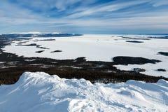 Vue du couvert de glace la mer blanche, Russie Photographie stock
