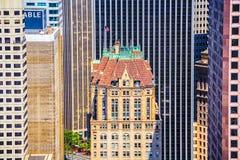 Vue du dessus de toit au vieux gratte-ciel Photo stock