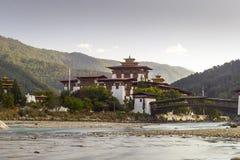 Vue du Dzong dans Punakha Bhutan Images libres de droits