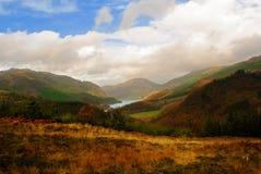 Vue du flanc de coteau pittoresque au-dessus du loch Lubnaig dans le Tross Photo libre de droits