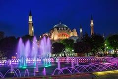 Vue du Hagia Sophia la nuit à Istanbul, Turquie Images libres de droits