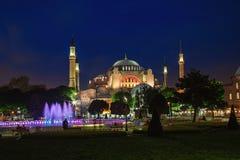 Vue du Hagia Sophia la nuit à Istanbul, Turquie Photo stock