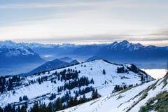Vue du haut de Mt. Rigi, Suisse, soirée d'hiver Photo libre de droits