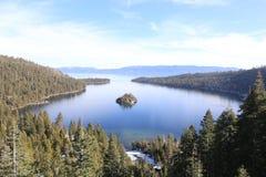 Vue du lac Tahoe d'émeraude de lac Photo libre de droits