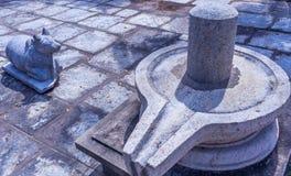 Vue du lingam de shiva et de la sculpture en nandi, caisse enregistreuse électronique, Chennai, Tamilnadu, Inde, le 29 janvier 20 Photos stock