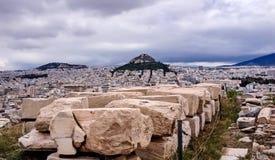 Vue du mont Lycabette au milieu d'Athènes Photographie stock libre de droits