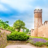 Vue du mur défensif chez Obernai, Bas Rhin, France d'Alsace photo stock