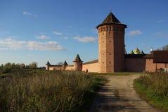 Vue du mur de Kremlin dans Suzdal Image libre de droits