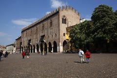 Vue du Palazzo Ducale dans Mantua, Italie photographie stock