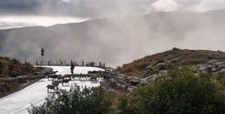 Vue du passage dans les nuages Photo libre de droits