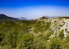 Vue du passage de montagne dans Biokovo en Croatie photographie stock libre de droits