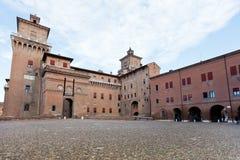 Vue du pavé rond Piazza Castello à Ferrare Images stock
