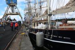 Vue du pilier le long du côté droit du schooner britannique Malcolm Miller photographie stock libre de droits