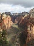 Vue du point de vue sur des anges débarquant, Zion National Park, Etats-Unis Photos libres de droits