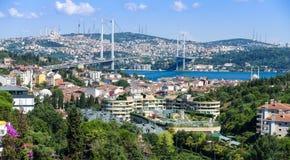 Vue du pont de Bosphorus et du côté asiatique Photographie stock libre de droits