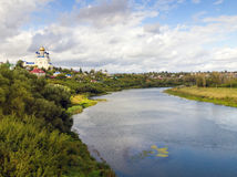 Vue du pont de la ville Yelets et de la rivière Bystraya S Images stock
