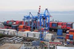 Vue du port de ville images stock