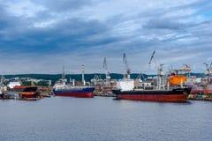 Vue du port et du chantier naval de quai Image stock